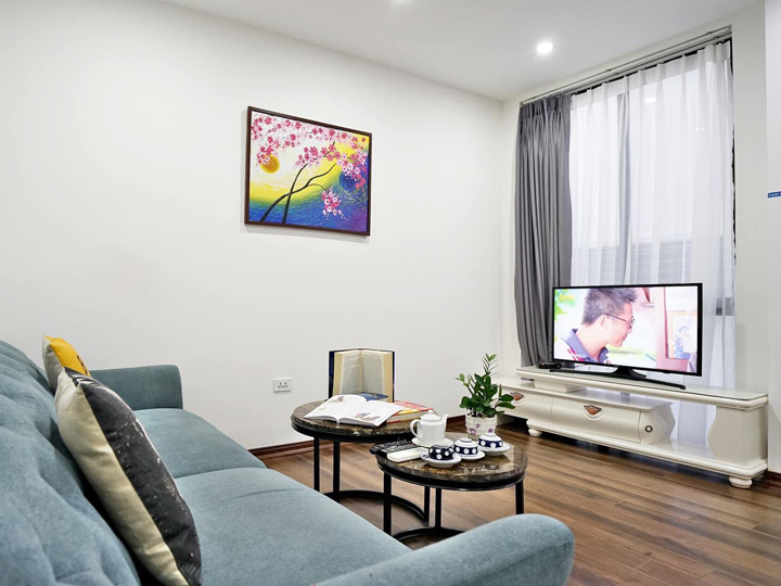 One bedroom apartment with white tone near Quang An park