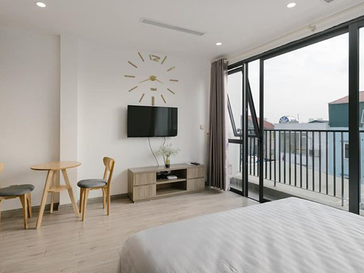 1 bedroom apartment with balcony and large sky view in Xuan Dieu