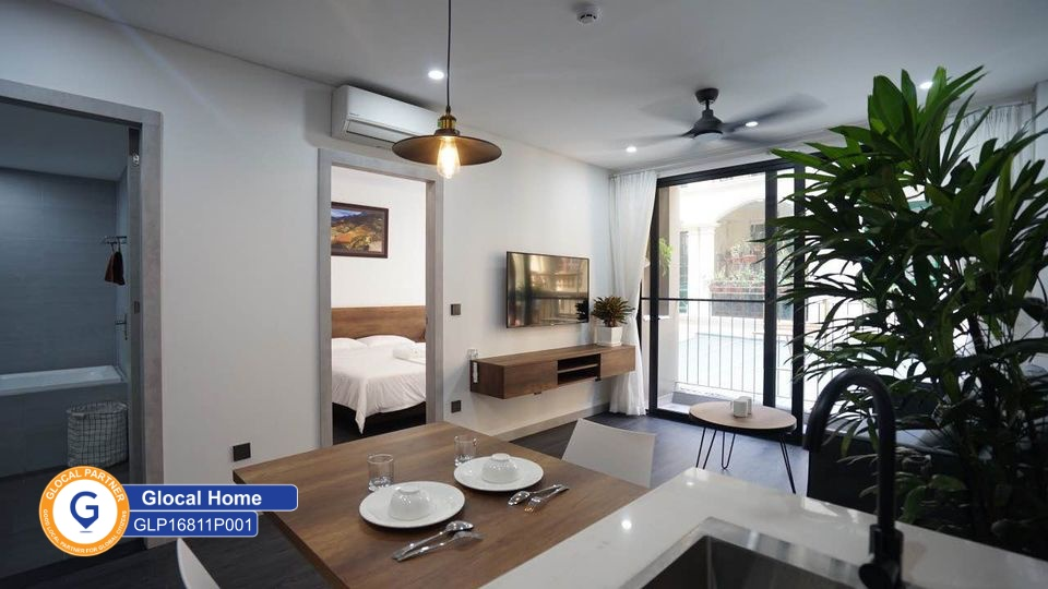 1 bedroom apartment with balcony with lots of natural light in To Ngoc Van