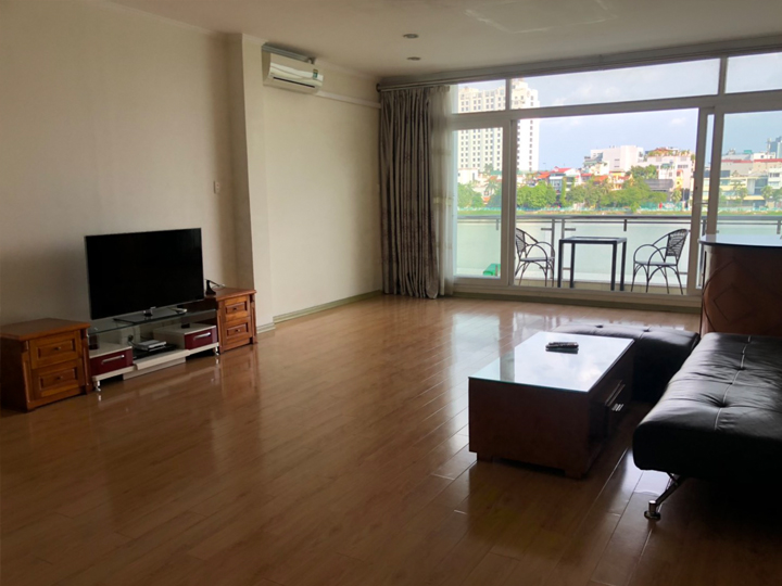 Lake view, 1 bedroom apartment with big balcony in Quang An