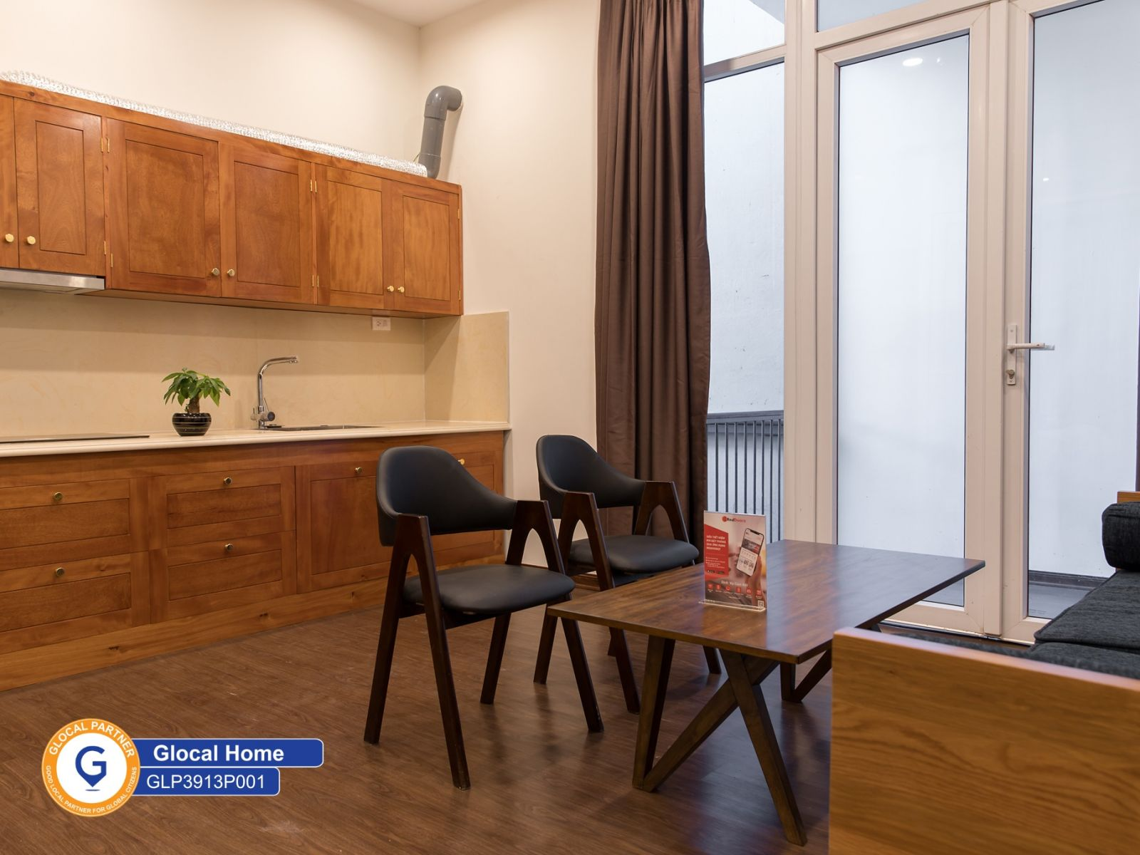 1 bedroom apartment with wooden floor, modern furniture in Au Co