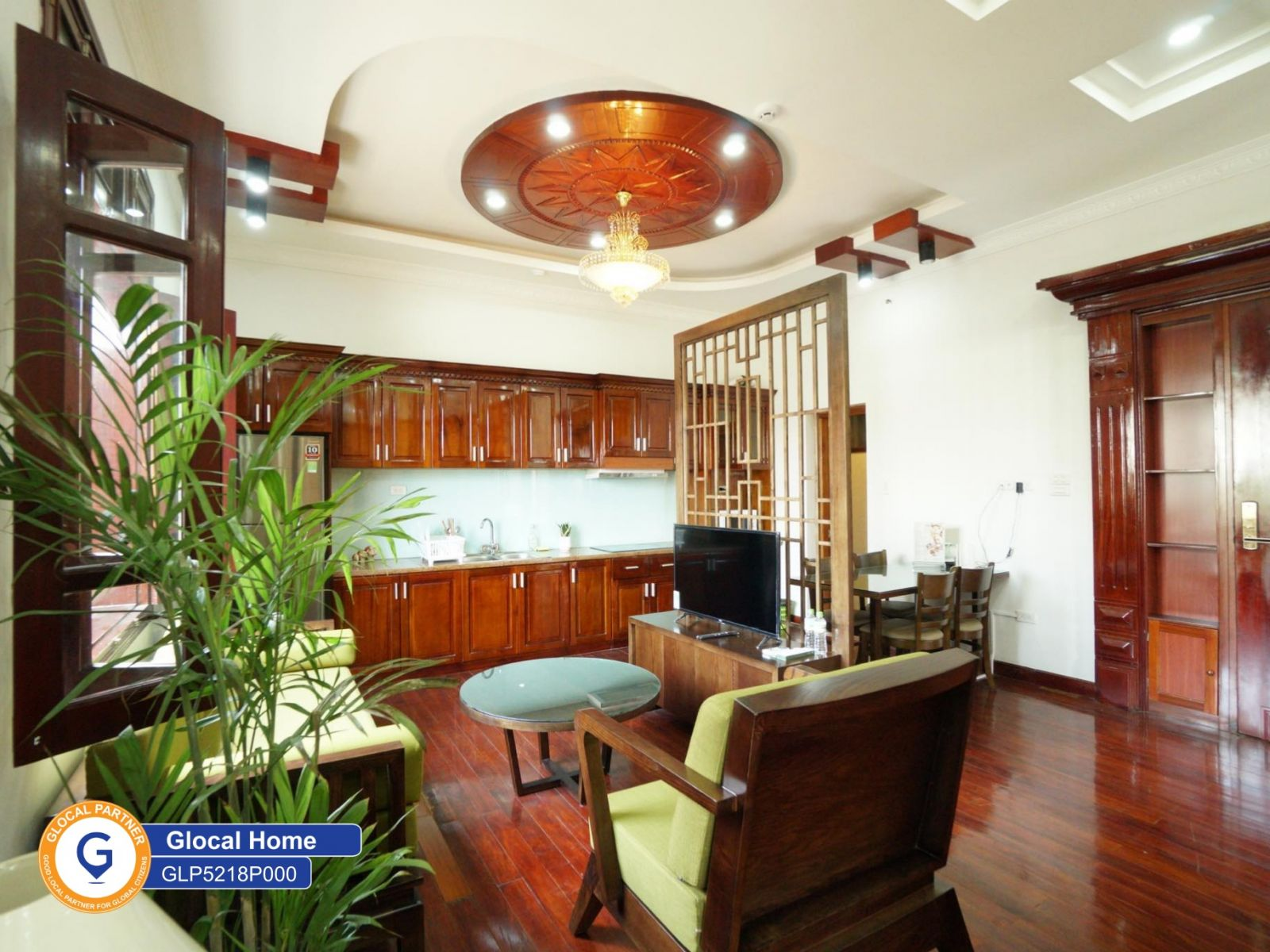 1 bedroom apartment with wooden floor and nice lake view in Quang Khanh