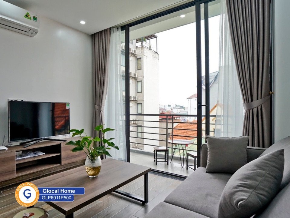 1-bedroom apartment with many windows and balcony in To Ngoc Van street