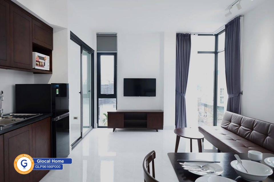 Fully furnished 1-bedroom apartment with lots of natural light in An Duong street