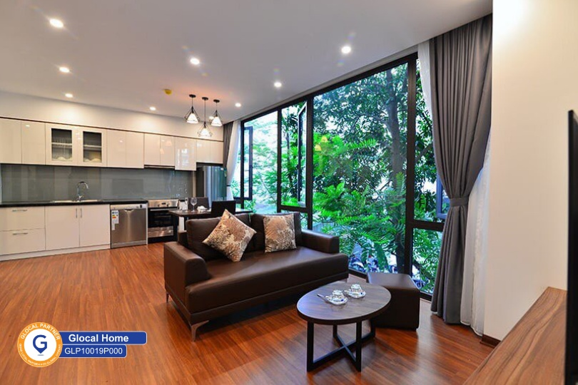 One-bedroom apartment with lots of green view windows in Tu Hoa street