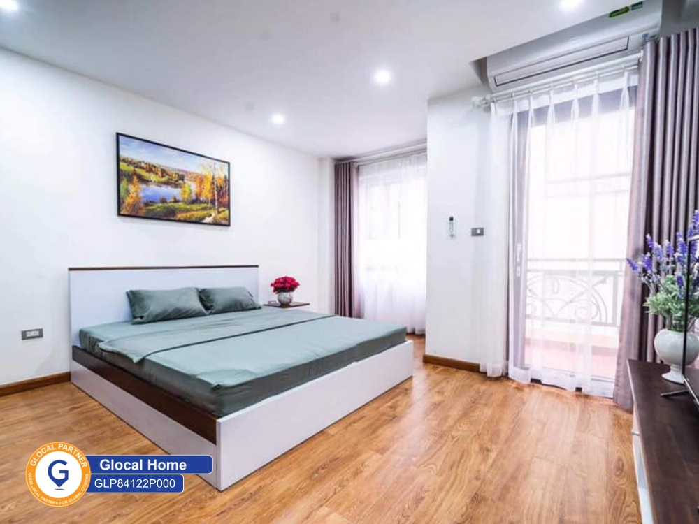 One-bedroom apartment with West Lake view, with balcony in Vong Thi