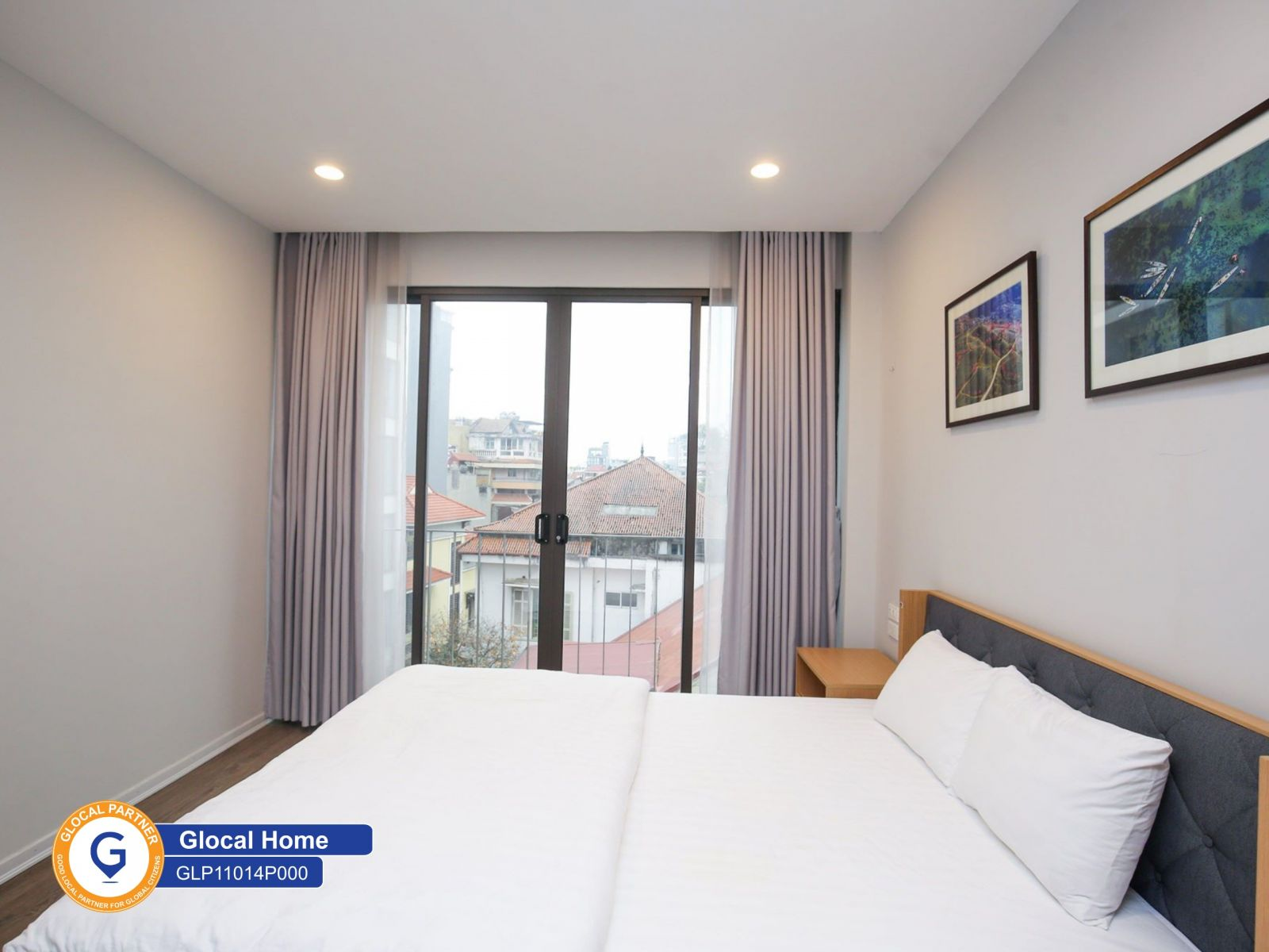 A large 1-bedroom apartment with many large glass doors, city view in Tay Ho
