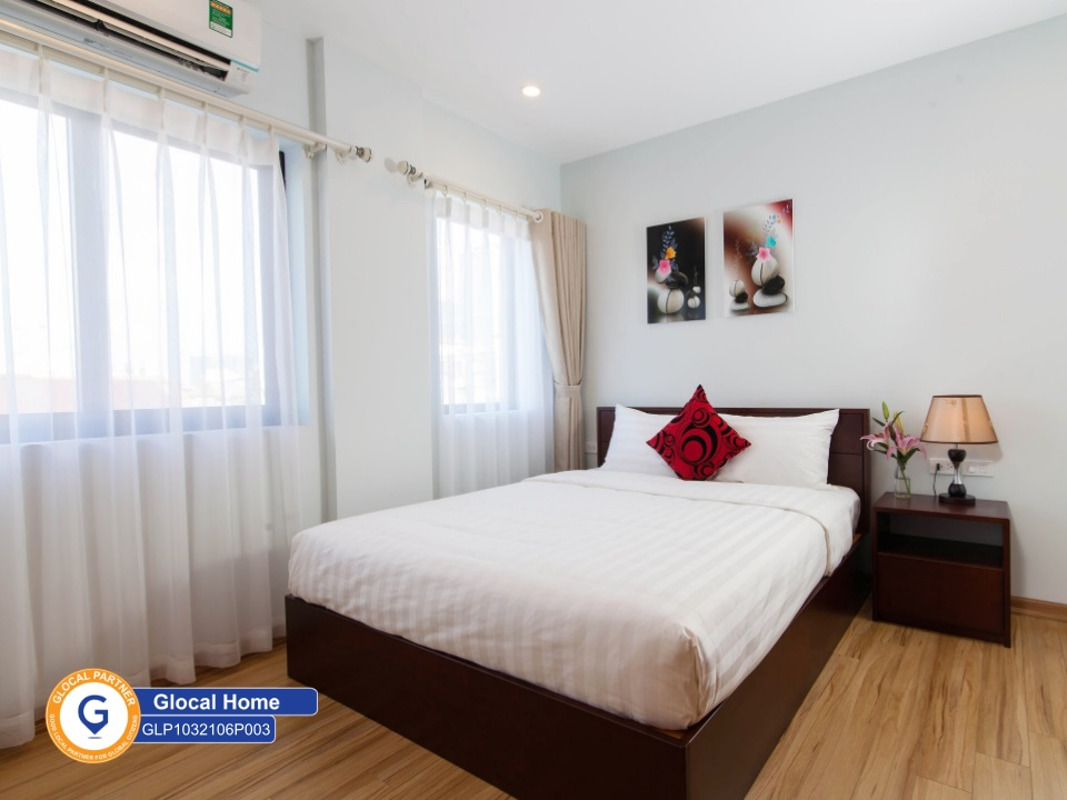 1 bedroom apartment with convenient furniture, many windows in Kim Ma Thuong street