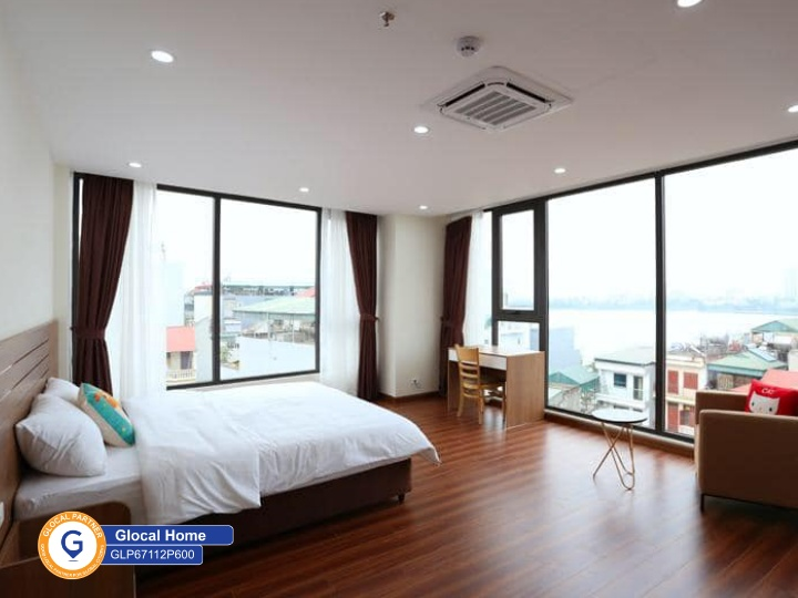A 1 bedroom apartment with nice view of West Lake in Nhat Chieu