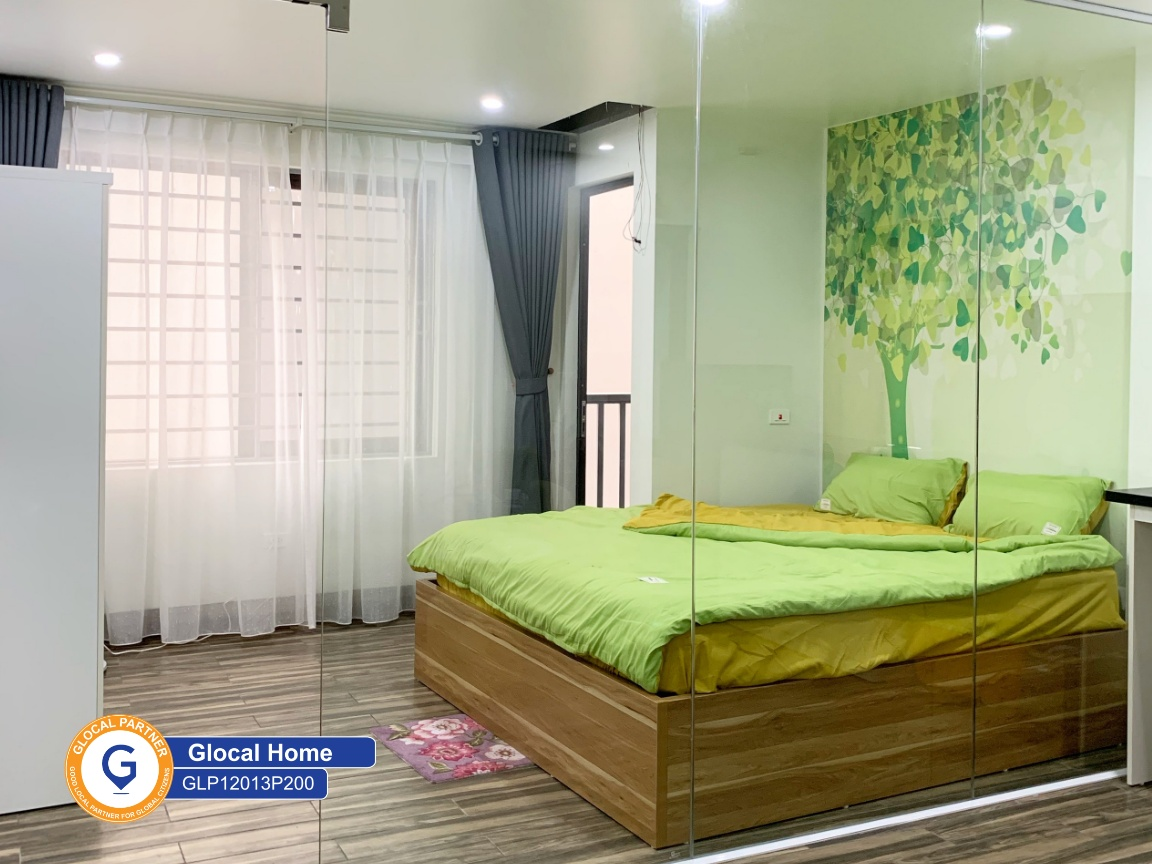 One bedroom apartment with fully furnished and wooden floor in Au Co street