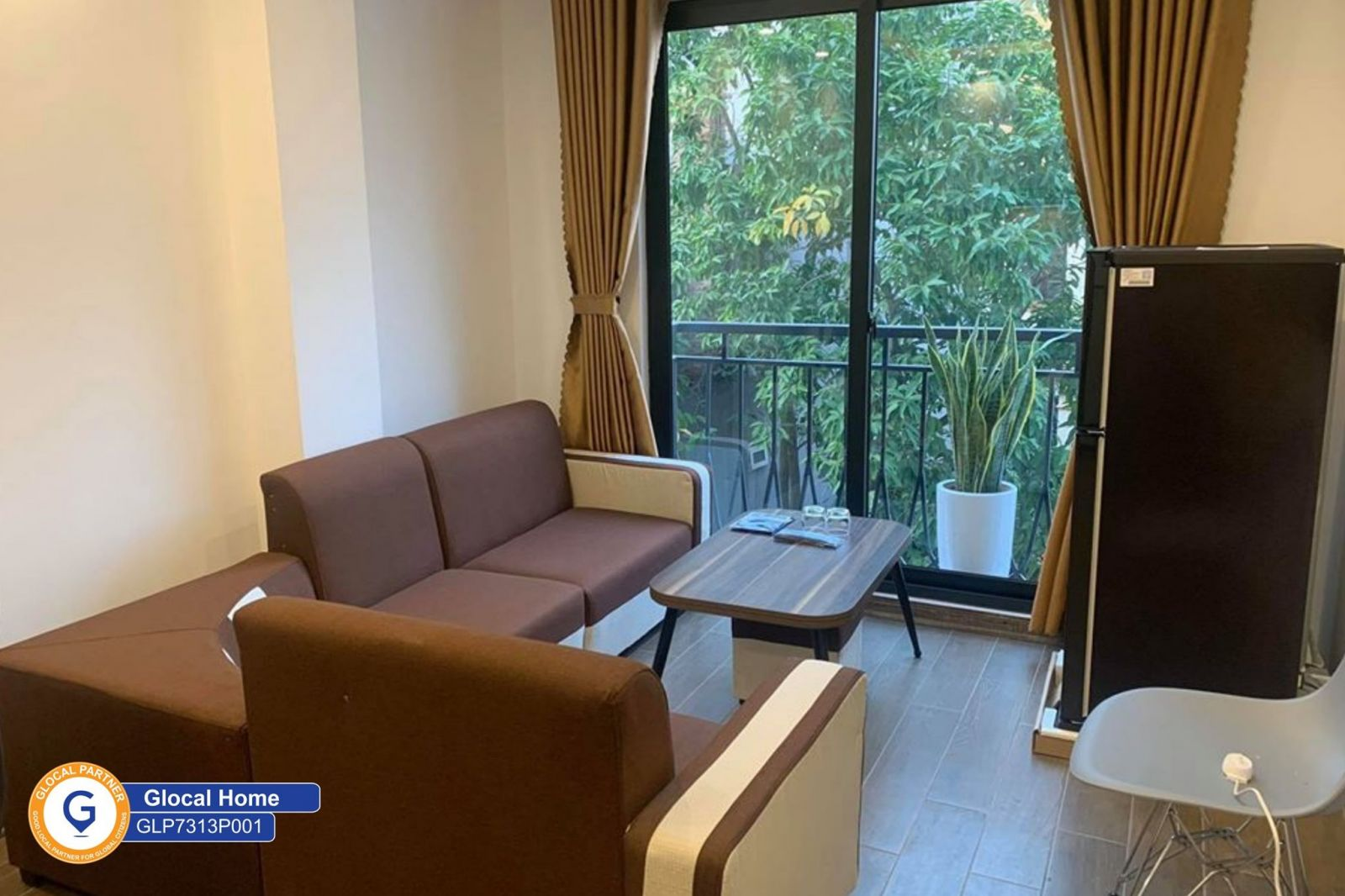 1 bedroom apartment with balcony and green tree view in Au Co street