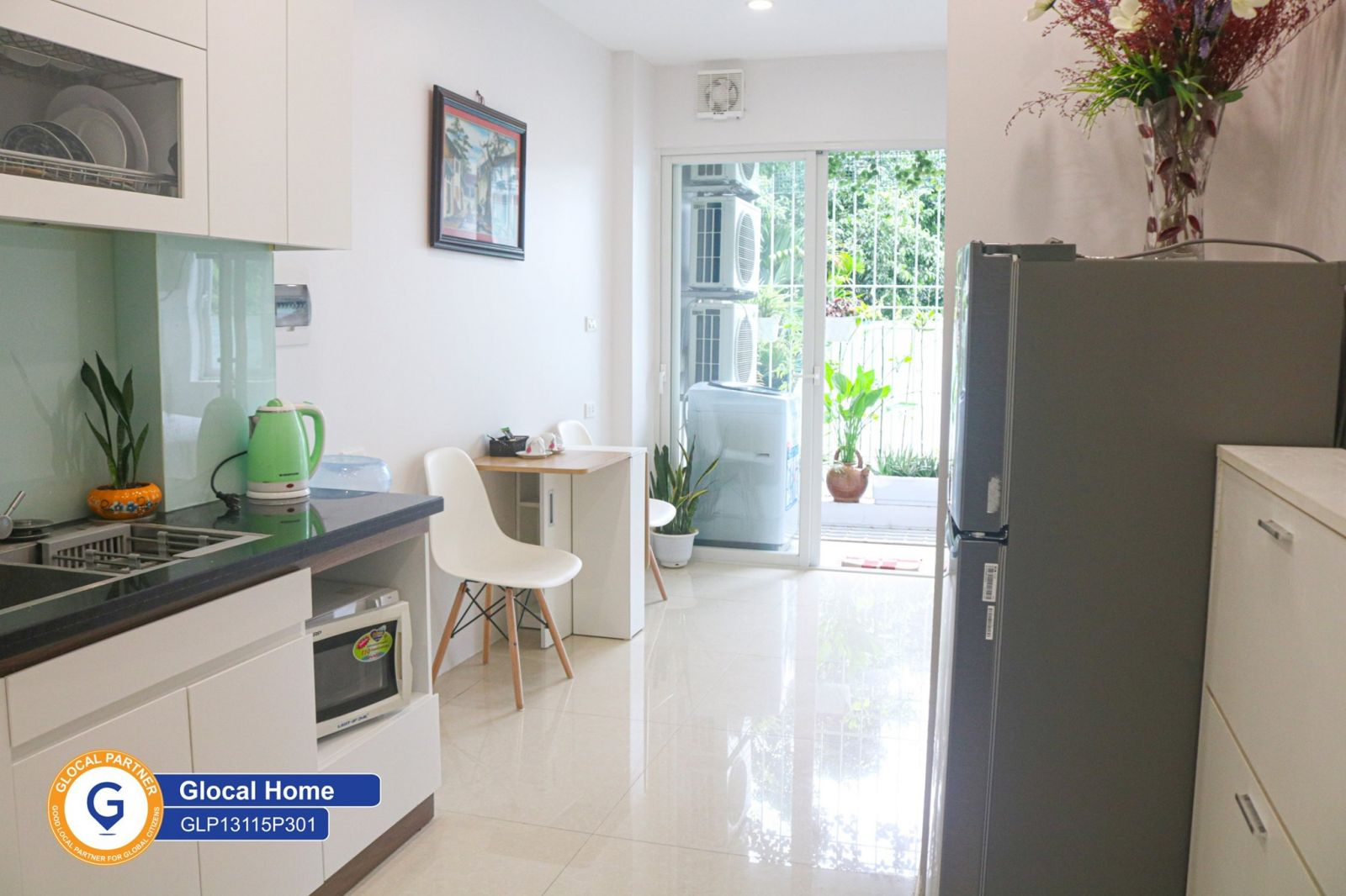 One bedroom apartment with fully furnished and lots of natural light in Dang Thai Mai