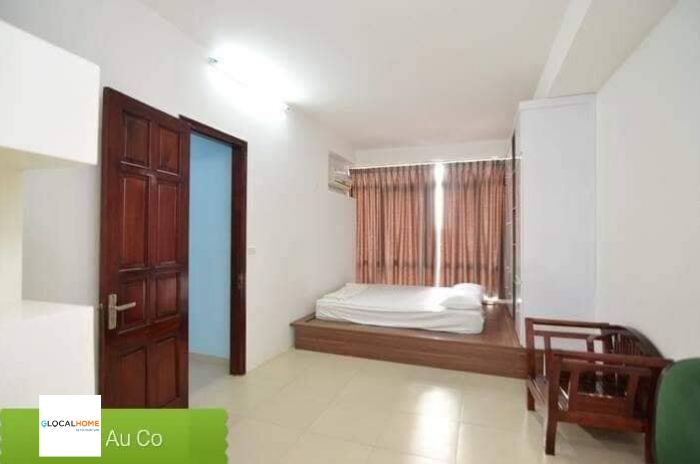 3-bedroom apartment with many windows and large balcony in Au Co