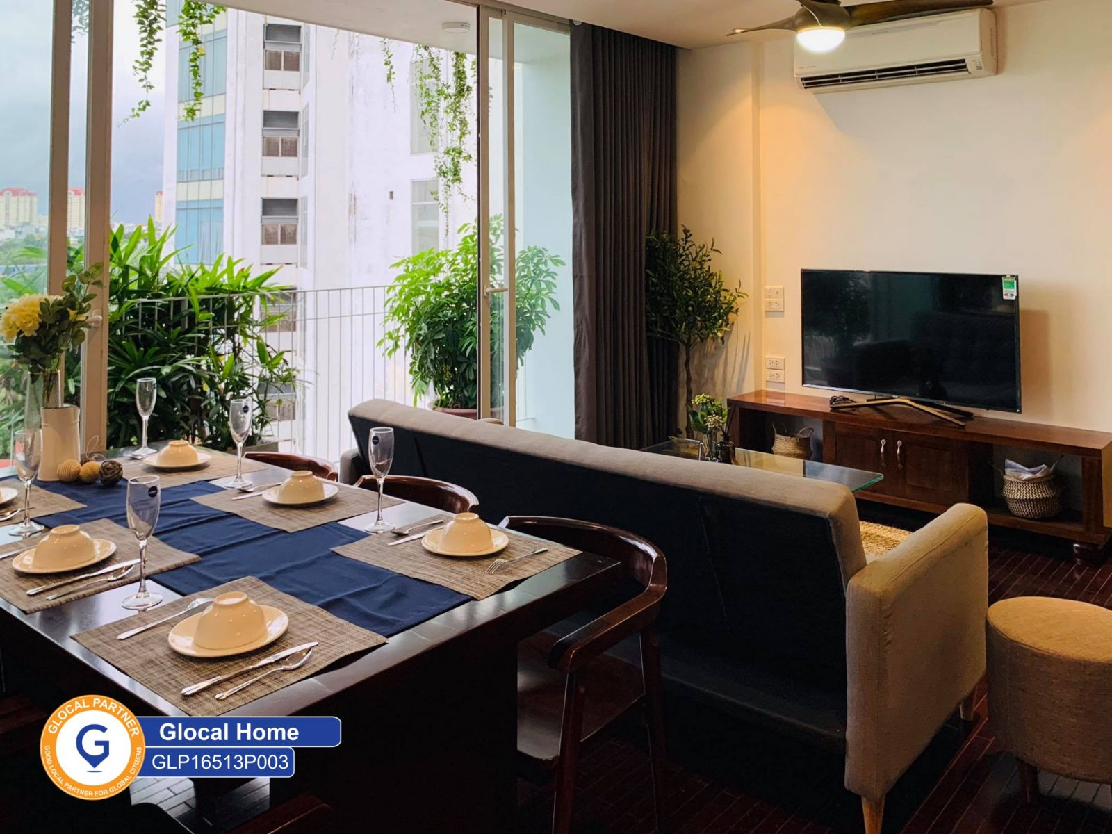 3 bedroom apartment with nice view balcony on Au Co Street