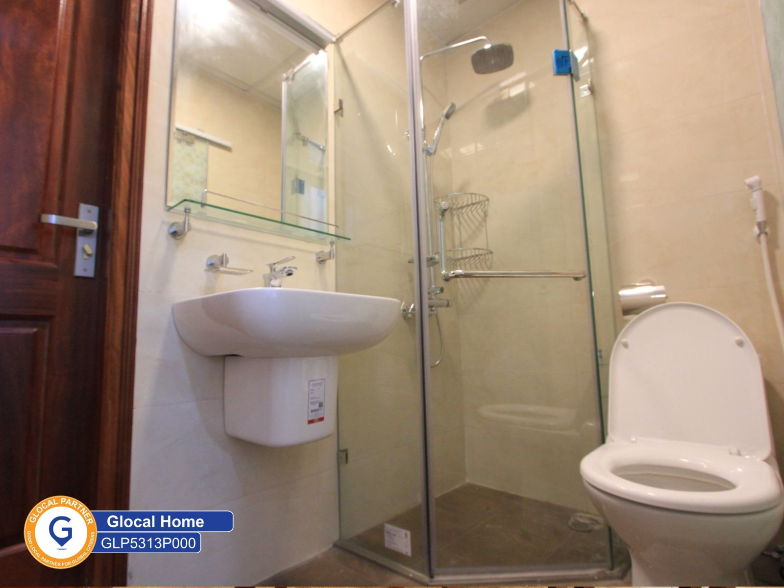 3 bedroom apartment with balcony, fully furnished in Au Co
