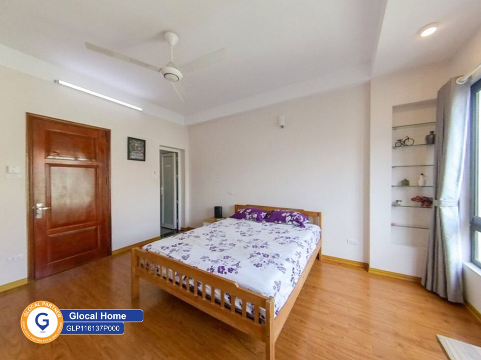 The whole 3-bedroom house with window in An Duong Vuong
