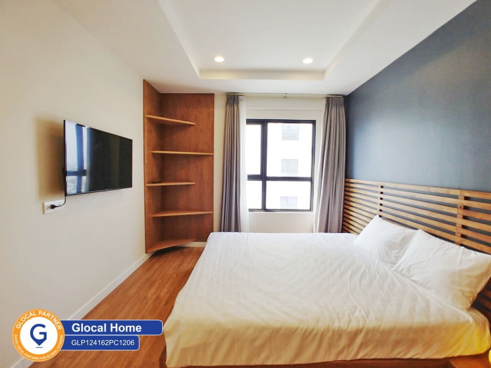 3 bedroom apartment with many windows and natural light in Komos, Xuan La
