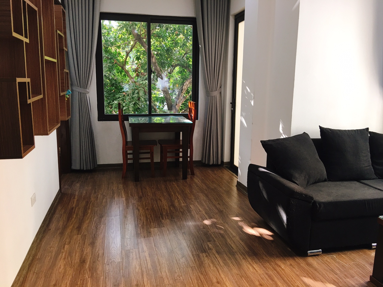 1 bedroom apartment for rent suitable for living in Tay Ho