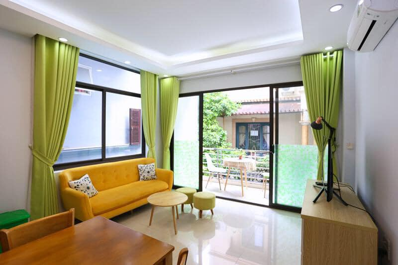 One bedroom apartment with balcony and city view in Au Co